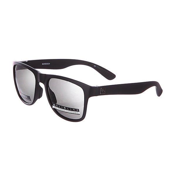 Очки Quiksilver Murdoch BlackСолнцезащитные очки<br>Murdoch - мужские солнцезащитные очки в спортивном стиле.Технические характеристики: Линзы Carl Zeiss Vision из поликарбоната.Оправа из нейлона с памятью формы.100% защита от ультрафиолетовых лучей.Сменные носовые упоры.Сменные дужки.<br><br>Размер EU: One Size<br>Цвет: черный<br>Тип: Очки<br>Возраст: Взрослый<br>Пол: Мужской