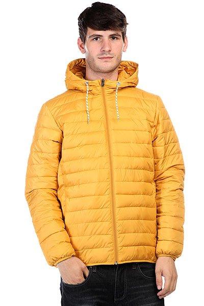 Куртка зимняя Quiksilver Scaly Golden SpiceКуртки и Парки<br>Дополните свой образ новой курткой из осенней коллекции от культового бренда! Преимущества:   Стандартный крой.  Металлические клепки.  Обработка воском и водостойкая пропитка.  Кожаная отделка.  Имитация пухового наполнителя.    Идеальное решение на каждый день!<br><br>Размер EU: S<br>Размер EU: XS<br>Цвет: желтый<br>Тип: Куртка зимняя<br>Возраст: Взрослый<br>Пол: Мужской