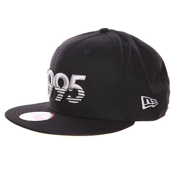Бейсболка New Era DC Shades Hats BlackБейсболки<br><br><br>Размер EU: One Size<br>Цвет: черный<br>Тип: Бейсболка с прямым козырьком<br>Возраст: Взрослый<br>Пол: Мужской