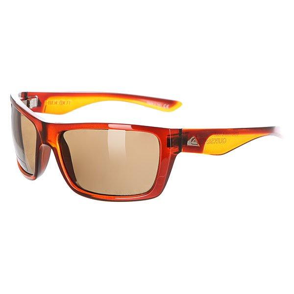 Очки женские Quiksilver Hideout Crystal BrownСолнцезащитные очки<br>Стильные очки Quiksilver Hideout – то, что надо для стильных модников.Характеристики:Оправа из гриламида.Оптически корректные поликарбонатные линзы.8-мислойное покрытие против царапин.3 категория защиты линз от очень ярких солнечных лучей. 100% защиты от УФ-лучей (UV A, UVB). Плотный защитный кейс на молнии.Сделано в Италии.<br><br>Размер EU: One Size<br>Цвет: коричневый<br>Тип: Очки<br>Возраст: Взрослый<br>Пол: Женский