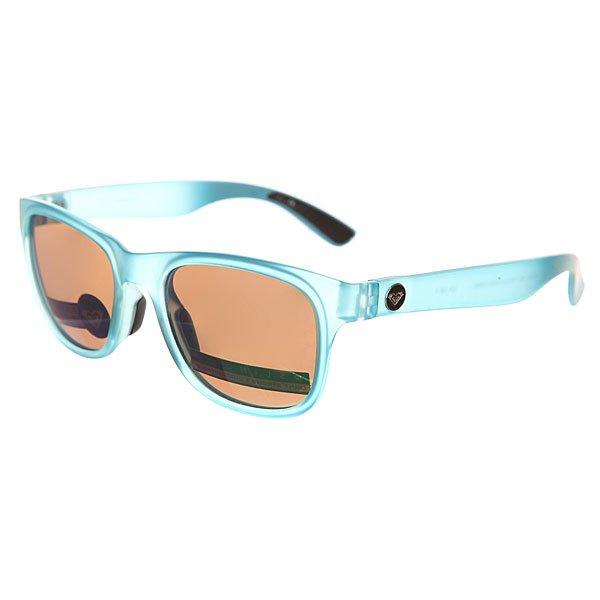 Очки женские Roxy Runaway Turquoise/Ml GreenСолнцезащитные очки<br>Экстра - тонкие очки в яркой летней цветовой гамме.Технические характеристики: Оправа TR4066.Прочные линзы из поликарбоната.100% защита от солнечных лучей.Линзы Carl Zeiss Vision.Мягкие сменные носовые упоры Megol®.<br><br>Размер EU: One Size<br>Цвет: голубой<br>Тип: Очки<br>Возраст: Взрослый<br>Пол: Женский