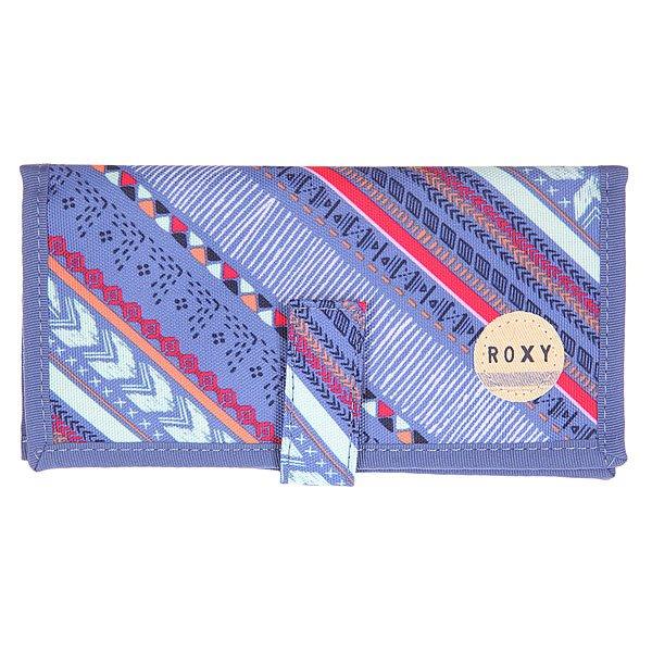 Кошелек женский Roxy Tropical Drift Ax Vertical Arrow CoКошельки<br>Складной женский кошелек с ярким принтом Tropical Drift от ROXY.Технические характеристики: Карман для мелочи на молнии.Органайзер для пластиковых карт.Застежка на липучке Velcro.Хлопковая нашивка с логотипом.<br><br>Размер EU: One Size<br>Цвет: синий,мультиколор<br>Тип: Кошелек<br>Возраст: Взрослый<br>Пол: Женский