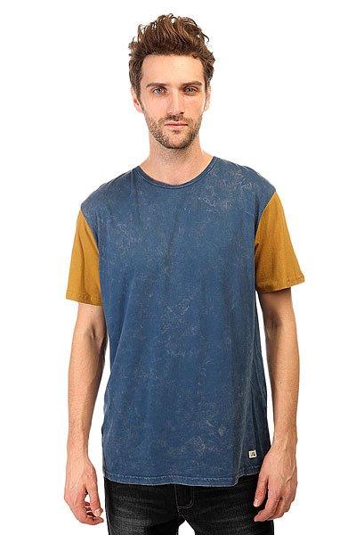 Футболка Quiksilver Box Trip Kttp Dark DenimФутболки и Майки<br>Летние футболки от Quiksilver - это единство спортивного духа и дизайнерской мысли, нацеленное на яркое самовыражение и комфорт.Технические характеристики: Короткие рукава.Свободный крой.Двухцветный дизайн.Ярлычок с логотипом.<br><br>Размер EU: S<br>Размер EU: XS<br>Размер EU: M<br>Размер EU: L<br>Размер EU: XXL<br>Цвет: синий,коричневый<br>Тип: Футболка<br>Возраст: Взрослый<br>Пол: Мужской