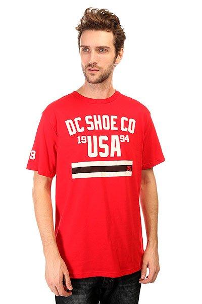 Футболка DC Response Tees Formula OneФутболки и Майки<br>Яркие графические принты в футболках от DC Shoes  добавят немного драйва, а натуральная ткань подарит комфорт в жаркий летний день.Технические характеристики: Короткие рукава.Свободный крой.Объемный текстовый принт на груди и на рукавах.<br><br>Размер EU: S<br>Размер EU: XS<br>Размер EU: M<br>Размер EU: L<br>Размер EU: XL<br>Цвет: красный<br>Тип: Футболка<br>Возраст: Взрослый<br>Пол: Мужской