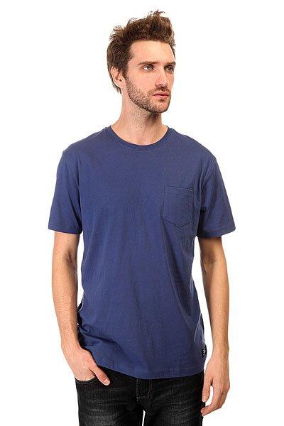Футболка DC Basic Pocket Kttp Vintage IndigoФутболки и Майки<br>Самая базовая футболка DC, выполненная изхлопка - настоящий маст-хэв для любителей катания на различных досках и поклонников DC Shoes.Характеристики:Круглый вырез. Короткий рукав. Карман на груди.<br><br>Размер EU: L<br>Цвет: синий<br>Тип: Футболка<br>Возраст: Взрослый<br>Пол: Мужской
