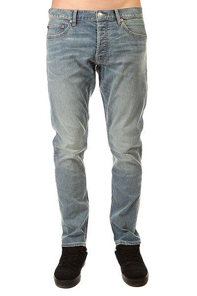 Джинсы прямые Quiksilver Revol Whiten Pant WhitenДжинсы<br>Прямые джинсы – отличное решение для самых стильных!Характеристики:5 карманов. Застегиваются на молнию.Эластичный хлопок. Плотность ткани – 319 г/кв. м. Базовая смягчающая обработка и 3D-имитация складок.<br><br>Размер EU: W32<br>Размер EU: W30<br>Размер EU: W36<br>Размер EU: W28<br>Размер EU: W34<br>Размер EU: W33<br>Размер EU: W31<br>Размер EU: W29<br>Размер EU: W38<br>Цвет: голубой<br>Тип: Джинсы прямые<br>Возраст: Взрослый<br>Пол: Мужской