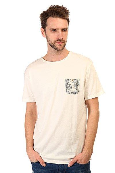 Футболка Quiksilver Pick Pocket Tees Snow WhiteФутболки и Майки<br>Легкая мужская футболка в винтажном стиле с контрастным принтом на кармане.Технические характеристики: Мягкая ткань Джерси - трикотажное полотно из шерстяных, хлопчатобумажных, шелковых или синтетических нитей, которое обладает определенной эластичностью и способностью растягиваться.Воротник с круглым вырезом.Современный крой.Короткие рукава.Нагрудный карман с принтом на пуговице.Однотонный дизайн с контрастным акцентом в отделке кармана.<br><br>Размер EU: S<br>Размер EU: XS<br>Размер EU: M<br>Размер EU: L<br>Размер EU: XL<br>Размер EU: XXL<br>Цвет: бежевый<br>Тип: Футболка<br>Возраст: Взрослый<br>Пол: Мужской
