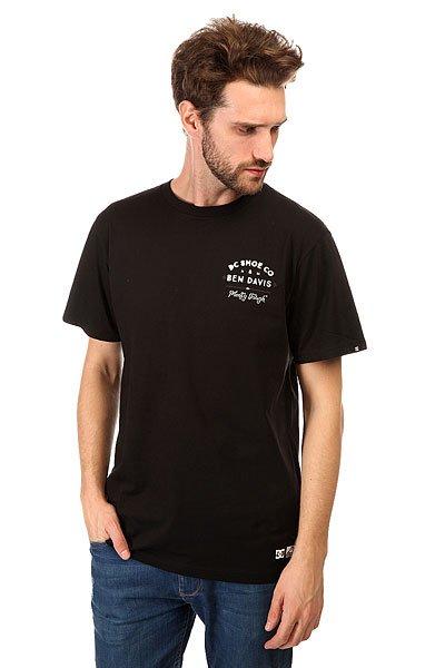 Футболка DC Front Sign BlackФутболки и Майки<br>Модные футболки с декоративным принтом и коротким рукавом на любой вкус никогда не выйдут из моды.Характеристики:Декоративный принт сбоку груди и на спине.Короткий рукав.Эластичная отделка горловины.<br><br>Размер EU: S<br>Размер EU: XS<br>Размер EU: M<br>Размер EU: L<br>Размер EU: XL<br>Размер EU: XXL<br>Цвет: черный<br>Тип: Футболка<br>Возраст: Взрослый<br>Пол: Мужской