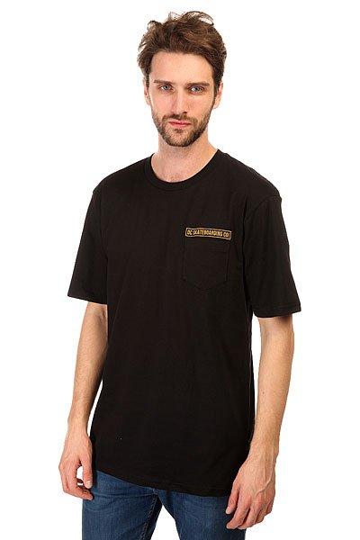 Футболка DC The Company BlackФутболки и Майки<br>Модные футболки с декоративным принтом и коротким рукавом на любой вкус никогда не выйдут из моды.Характеристики:Декоративный принт на спине.Короткий рукав.Эластичная отделка горловины. Карман на груди.<br><br>Размер EU: S<br>Размер EU: M<br>Размер EU: L<br>Размер EU: XL<br>Размер EU: XXL<br>Цвет: черный<br>Тип: Футболка<br>Возраст: Взрослый<br>Пол: Мужской